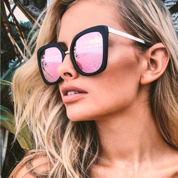 4645fb1d187 Quay Australia Capricorn Sunglasses. M 5b9ac067d6716acdb8be4c31